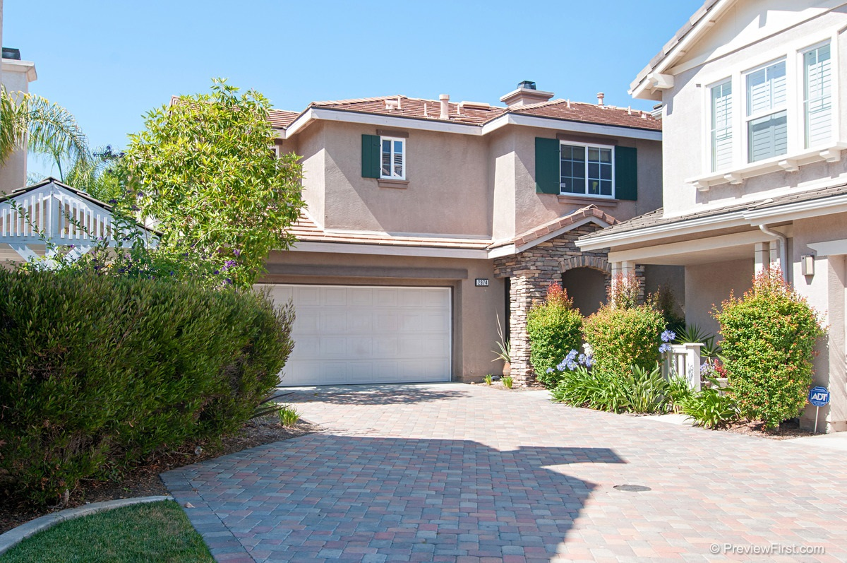 Photo 2: CHULA VISTA House for sale : 3 bedrooms : 2974 WEEPING WILLOW ROAD