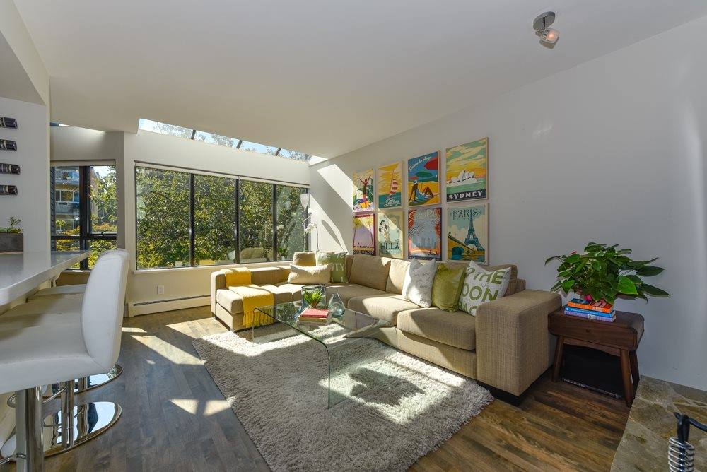"Photo 4: PH6 2455 YORK Avenue in Vancouver: Kitsilano Condo for sale in ""Greenwood York"" (Vancouver West)  : MLS(r) # R2005050"
