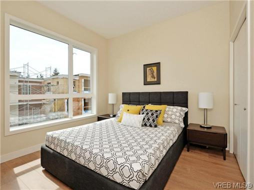 Photo 13: 3 1060 Tillicum Road in VICTORIA: Es Kinsmen Park Townhouse for sale (Esquimalt)  : MLS(r) # 357193