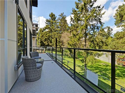 Photo 17: 3 1060 Tillicum Road in VICTORIA: Es Kinsmen Park Townhouse for sale (Esquimalt)  : MLS(r) # 357193