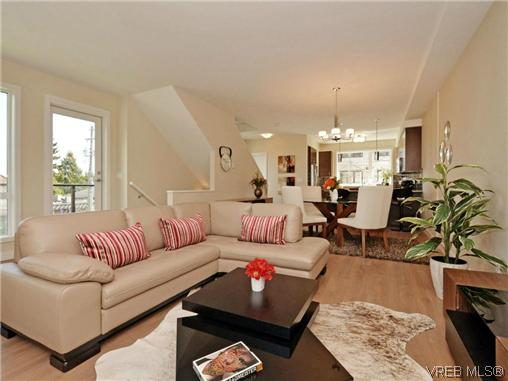 Photo 5: 3 1060 Tillicum Road in VICTORIA: Es Kinsmen Park Townhouse for sale (Esquimalt)  : MLS(r) # 357193