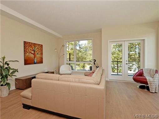 Photo 7: 3 1060 Tillicum Road in VICTORIA: Es Kinsmen Park Townhouse for sale (Esquimalt)  : MLS(r) # 357193