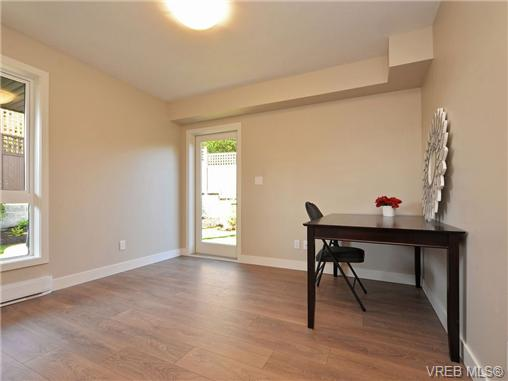 Photo 16: 3 1060 Tillicum Road in VICTORIA: Es Kinsmen Park Townhouse for sale (Esquimalt)  : MLS(r) # 357193