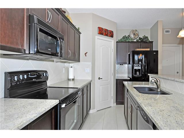 Photo 8: 302 1 Crystal Green Lane: Okotoks Condo for sale : MLS(r) # C4061966