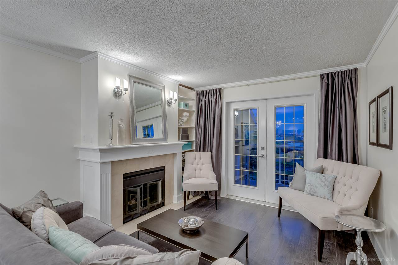 "Main Photo: 206 74 MINER Street in New Westminster: Fraserview NW Condo for sale in ""Fraserview Park"" : MLS® # R2096778"