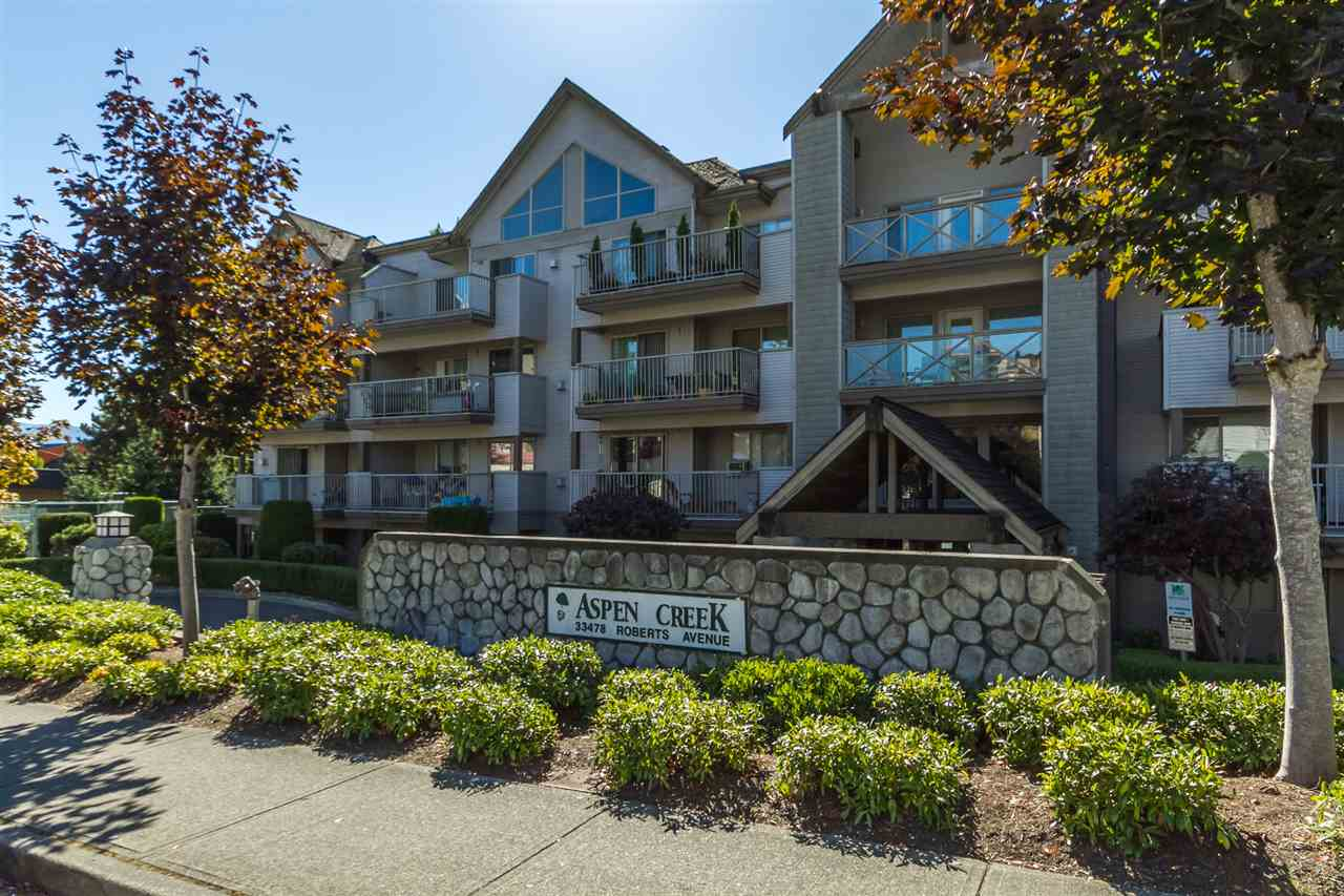 Main Photo: 102 33478 ROBERTS Avenue in Abbotsford: Central Abbotsford Condo for sale : MLS®# R2107850