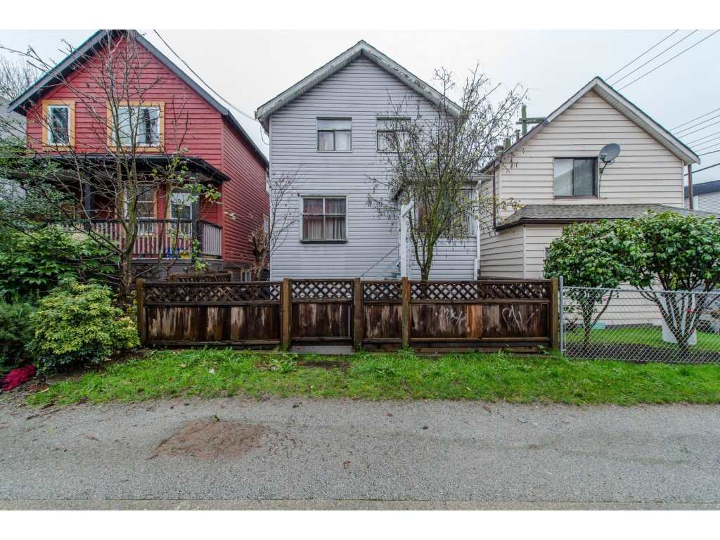 "Main Photo: 435 MCLEAN Drive in Vancouver: Hastings House for sale in ""Hastings"" (Vancouver East)  : MLS® # R2125046"