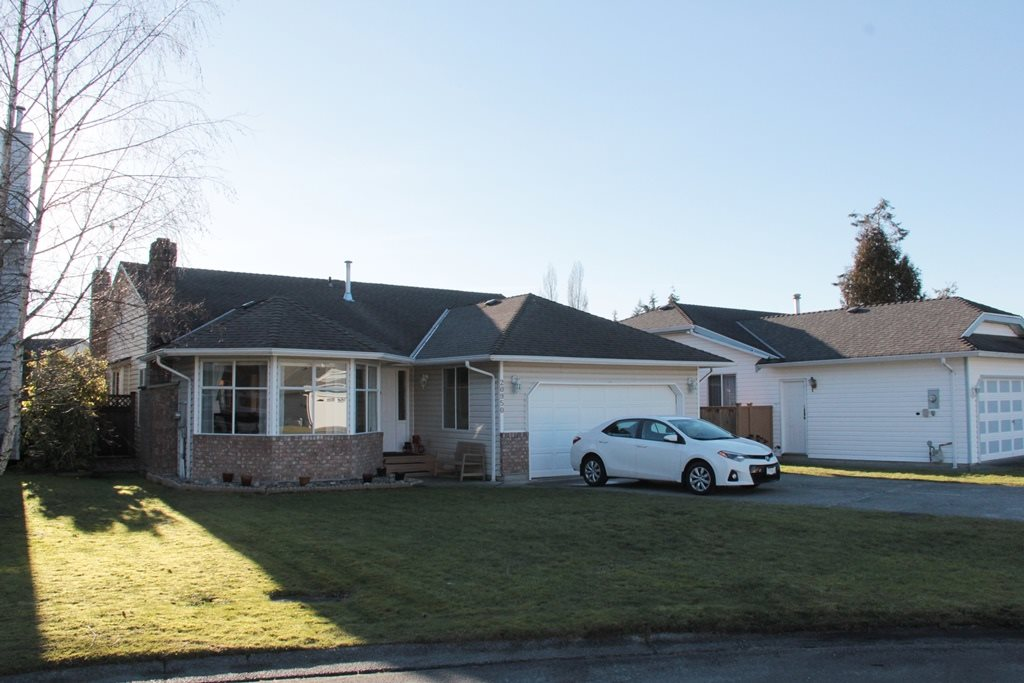 "Main Photo: 20950 50B Avenue in Langley: Langley City House for sale in ""Newlands"" : MLS®# R2138822"