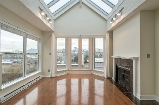 "Main Photo: 303 953 W 8TH Avenue in Vancouver: Fairview VW Condo for sale in ""SOUTH PORT"" (Vancouver West)  : MLS(r) # R2139364"