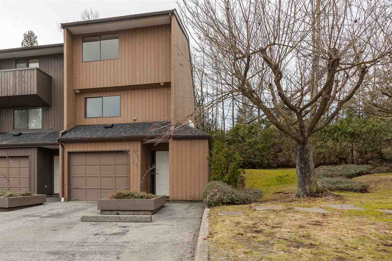 "Main Photo: 9 2970 MARINER Way in Coquitlam: Ranch Park Townhouse for sale in ""MARINER MEWS"" : MLS(r) # R2147857"