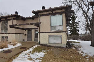 Main Photo:  in Edmonton: Zone 29 Townhouse for sale : MLS(r) # E4056281