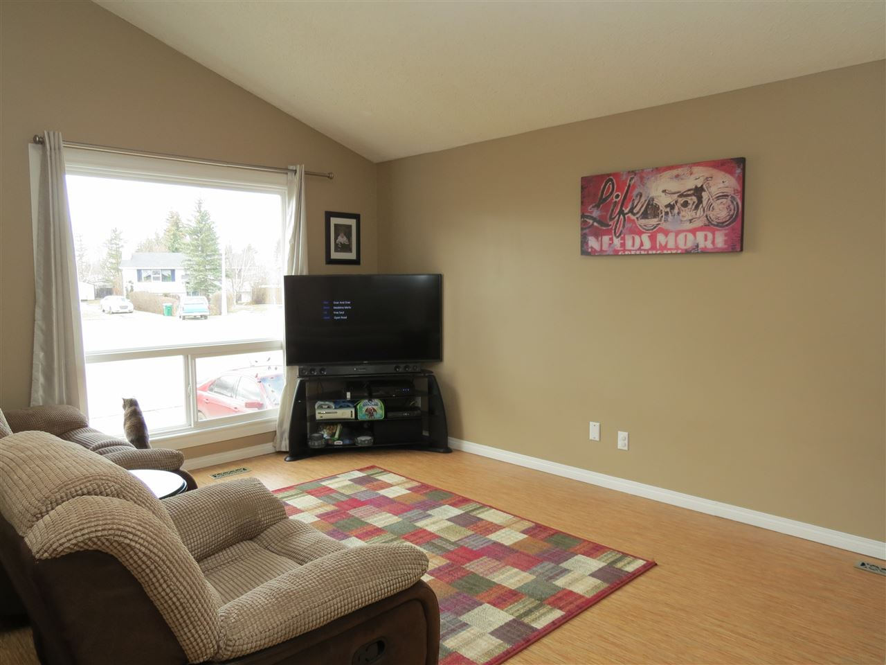 Photo 7: 9907 90 Street: Morinville House for sale : MLS(r) # E4057678