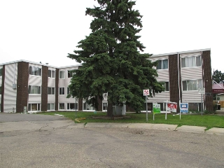 Main Photo: 11 10910 53 Avenue in Edmonton: Zone 15 Condo for sale : MLS(r) # E4059686