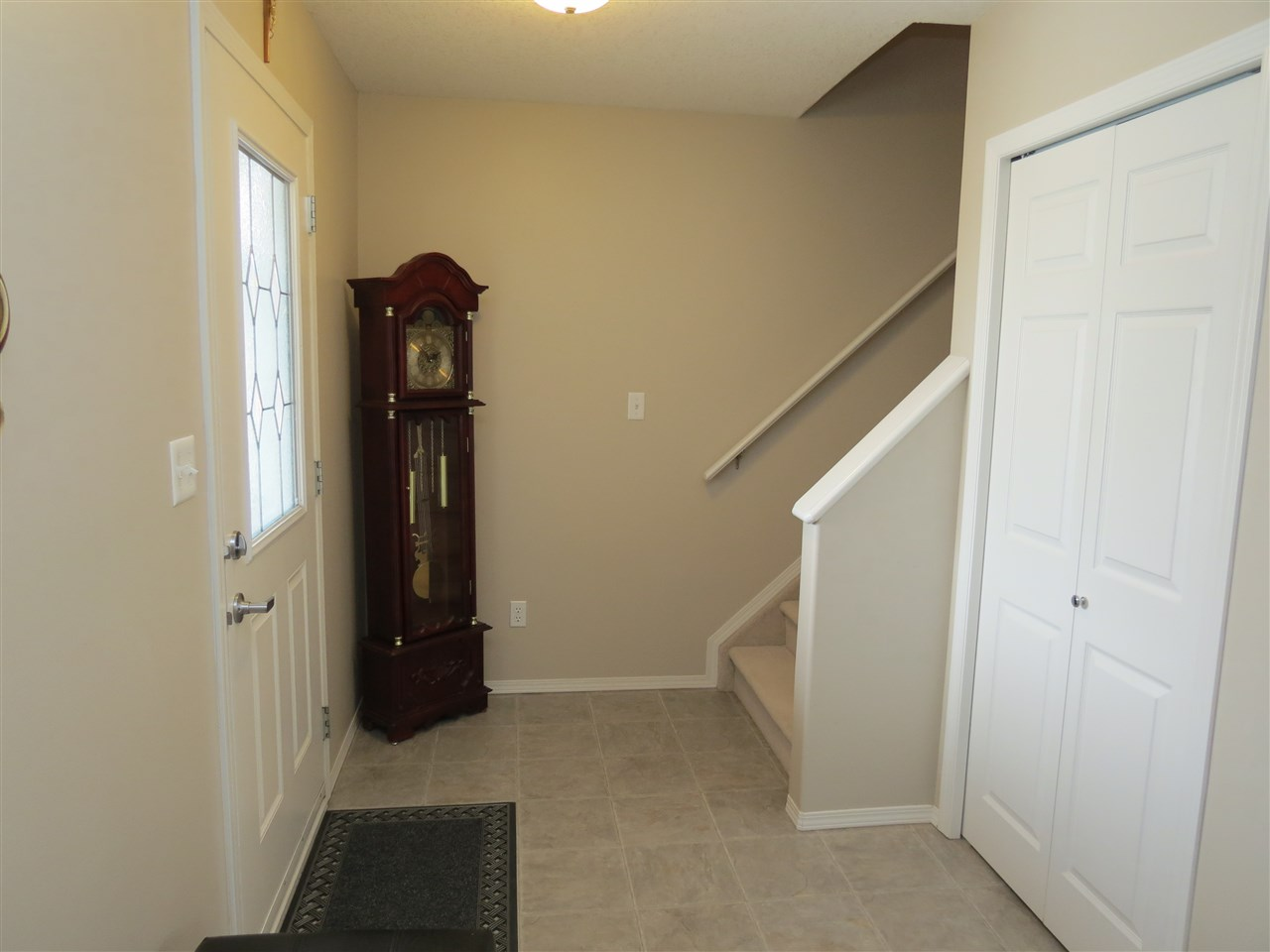 Photo 2: 9429 80 Avenue: Morinville House Half Duplex for sale : MLS(r) # E4059755