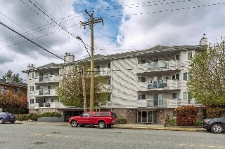 "Main Photo: 304 11963 223 Street in Maple Ridge: West Central Condo for sale in ""THE DORCHESTER"" : MLS® # R2160099"