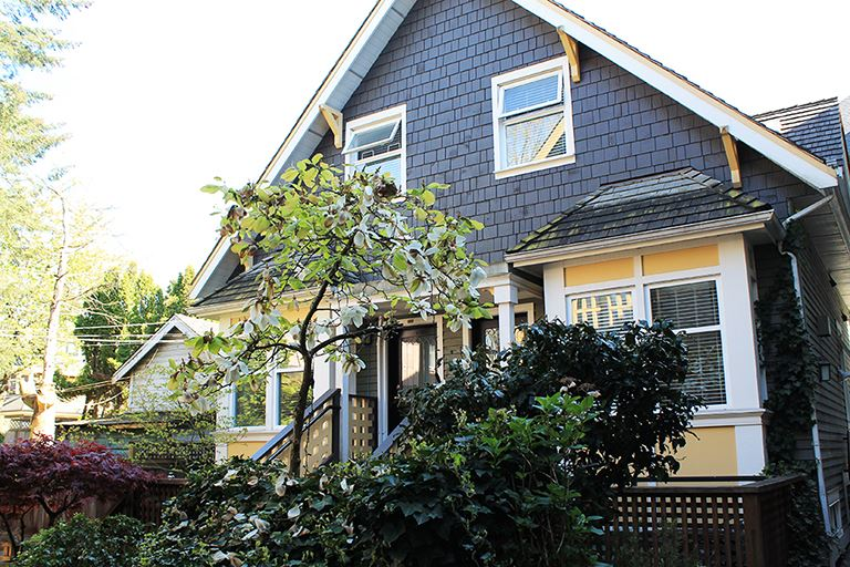 "Main Photo: 376 W 10TH Avenue in Vancouver: Mount Pleasant VW Townhouse for sale in ""Turnbull's Watch"" (Vancouver West)  : MLS(r) # R2162061"