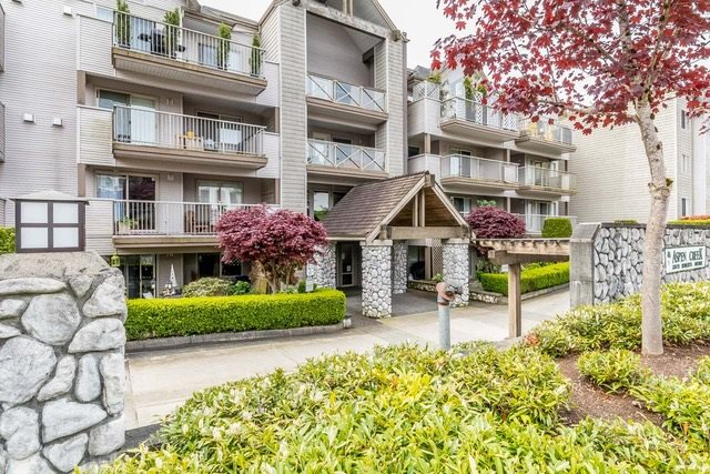 "Main Photo: 318 33478 ROBERTS Avenue in Abbotsford: Central Abbotsford Condo for sale in ""ASPEN CREEK"" : MLS® # R2164406"
