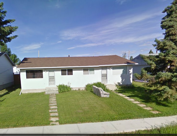 Main Photo: 4710 48 Street in Mayerthorpe: House Duplex for sale : MLS® # 43619