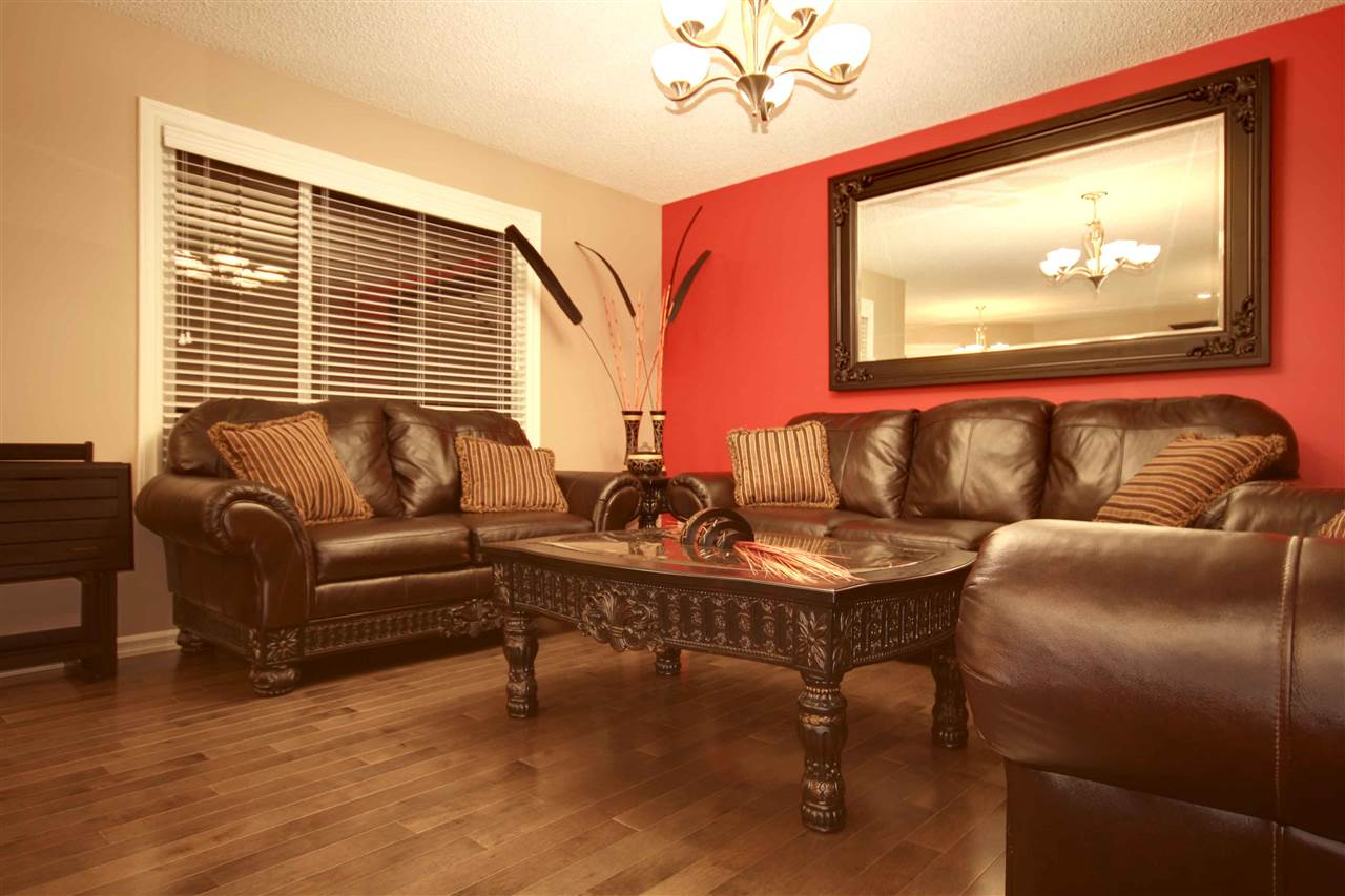 Photo 5: 17915 84 Street in Edmonton: Zone 28 House for sale : MLS® # E4069405