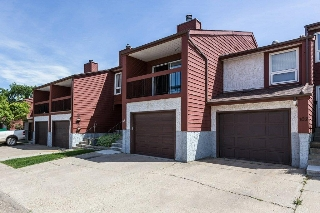 Main Photo:  in Edmonton: Zone 27 Townhouse for sale : MLS(r) # E4070235