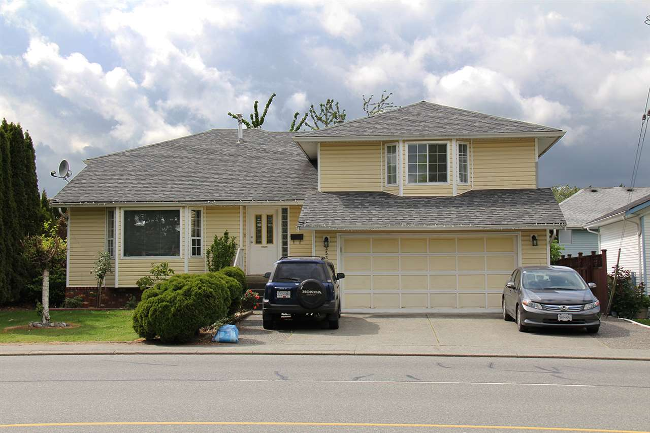 Main Photo: 3533 TRETHEWEY Street in Abbotsford: Abbotsford West House for sale : MLS(r) # R2186926