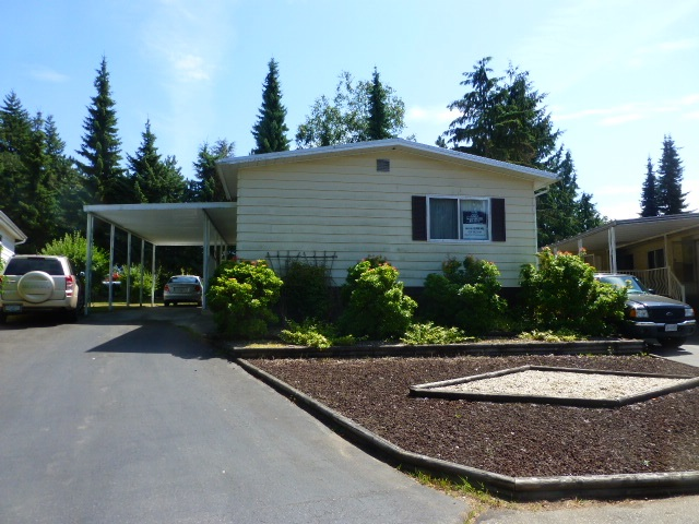 "Main Photo: 103 3665 244 Street in Langley: Otter District Manufactured Home for sale in ""LANGLEY GROVE ESTATES"" : MLS® # R2187800"