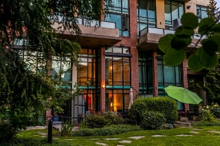 "Main Photo: 105 10 RENAISSANCE Square in New Westminster: Quay Condo for sale in ""MURANO LOFTS"" : MLS(r) # R2188809"