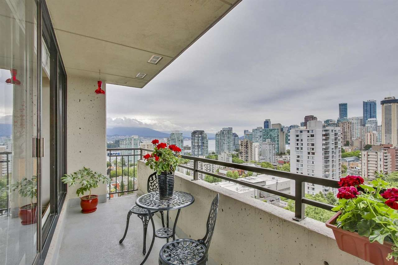 "Main Photo: 1802 1816 HARO Street in Vancouver: West End VW Condo for sale in ""HUNTINGTON PLACE"" (Vancouver West)  : MLS® # R2191378"