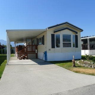 "Main Photo: 25 7610 EVANS Road in Chilliwack: Sardis West Vedder Rd Manufactured Home for sale in ""COTTONWOOD VILLAGE MHP"" (Sardis)  : MLS® # R2192290"