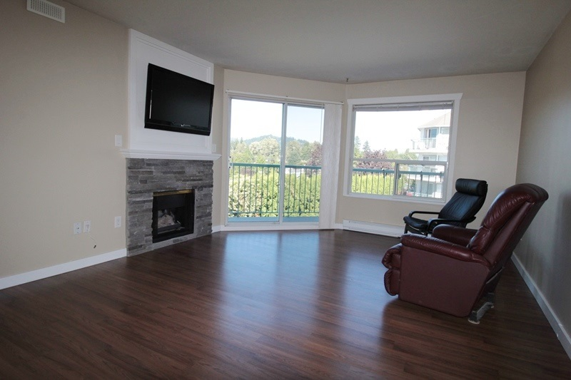 "Photo 2: 210 1755 SALTON Road in Abbotsford: Central Abbotsford Condo for sale in ""The Gateway"" : MLS® # R2192856"