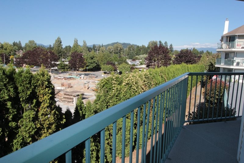 "Photo 9: 210 1755 SALTON Road in Abbotsford: Central Abbotsford Condo for sale in ""The Gateway"" : MLS® # R2192856"