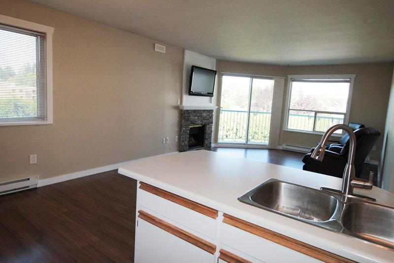 "Photo 5: 210 1755 SALTON Road in Abbotsford: Central Abbotsford Condo for sale in ""The Gateway"" : MLS® # R2192856"