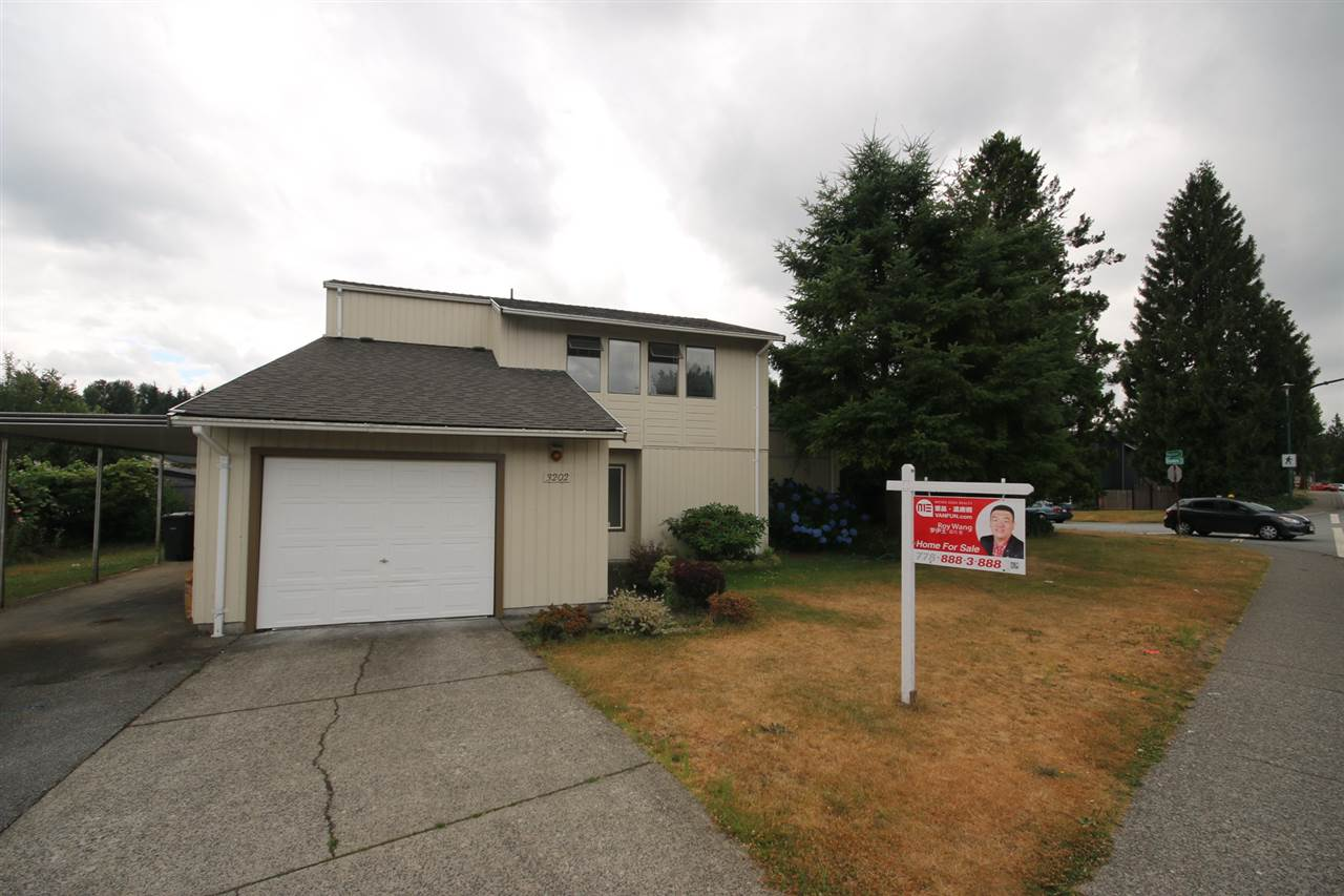 Main Photo: 3202 DUNKIRK Avenue in Coquitlam: New Horizons House for sale : MLS® # R2194295