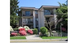"Main Photo: 207 1442 BLACKWOOD Street: White Rock Condo for sale in ""Blackwood Manor"" (South Surrey White Rock)  : MLS® # R2196692"