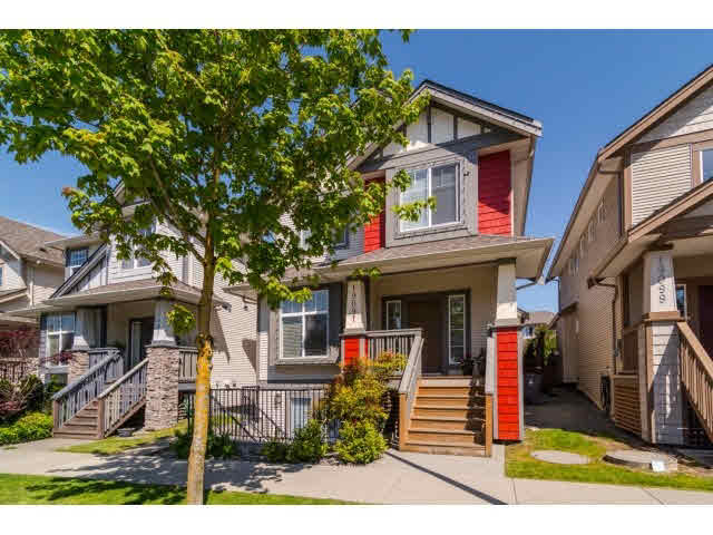 Main Photo: 19091 68th ave in Surrey: Clayton House for sale (Cloverdale)  : MLS® # R2217998