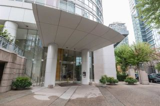 "Main Photo: 1205 1288 ALBERNI Street in Vancouver: West End VW Condo for sale in ""The Palisades"" (Vancouver West)  : MLS®# R2292149"