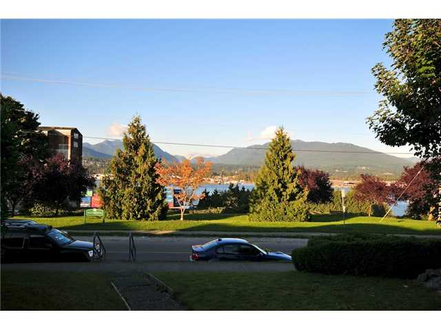 Photo 2: 2772 WALL Street in Vancouver: Hastings East House for sale (Vancouver East)  : MLS(r) # V918008