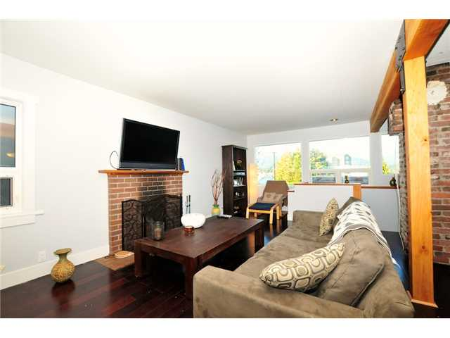 Photo 3: 2772 WALL Street in Vancouver: Hastings East House for sale (Vancouver East)  : MLS(r) # V918008