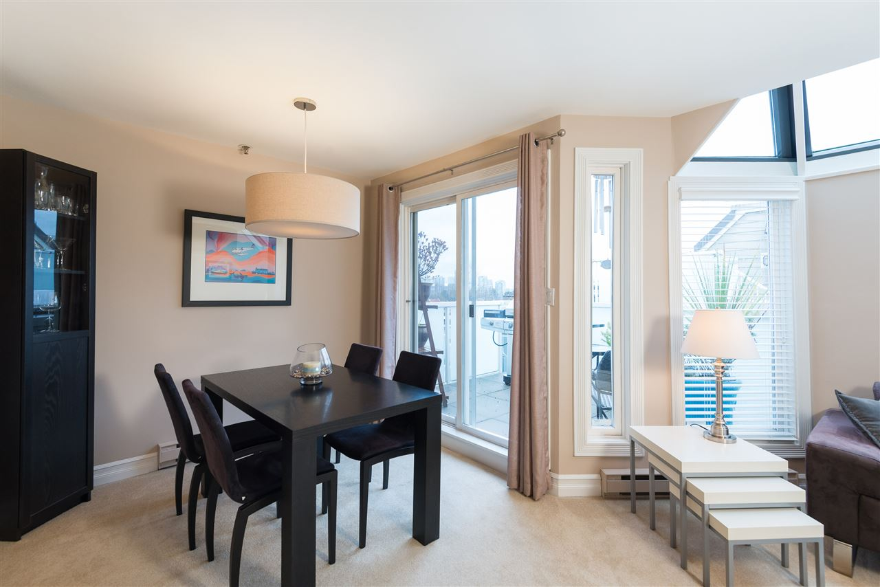 "Photo 4: B2 1100 W 6TH Avenue in Vancouver: Fairview VW Townhouse for sale in ""Fairview Place"" (Vancouver West)  : MLS(r) # R2019721"