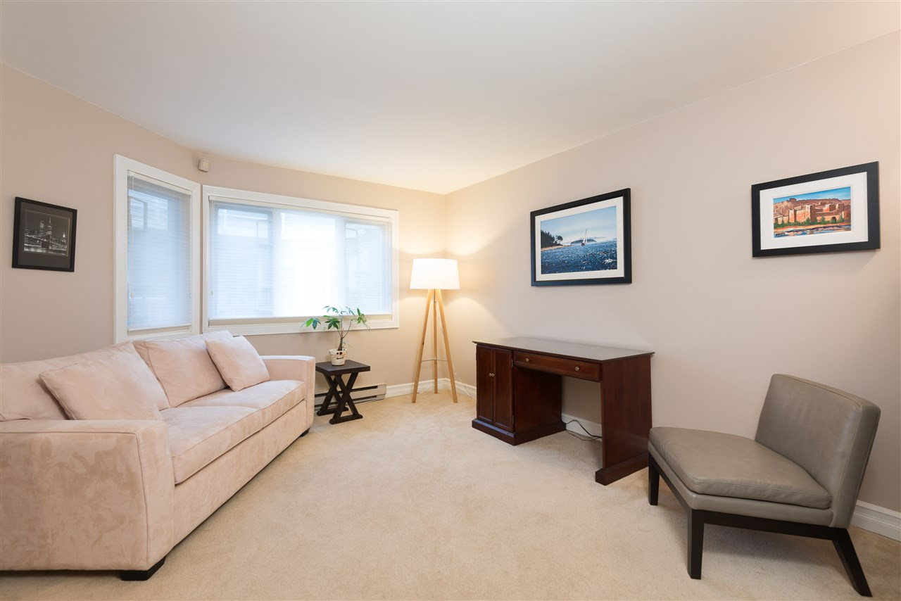 "Photo 11: B2 1100 W 6TH Avenue in Vancouver: Fairview VW Townhouse for sale in ""Fairview Place"" (Vancouver West)  : MLS(r) # R2019721"