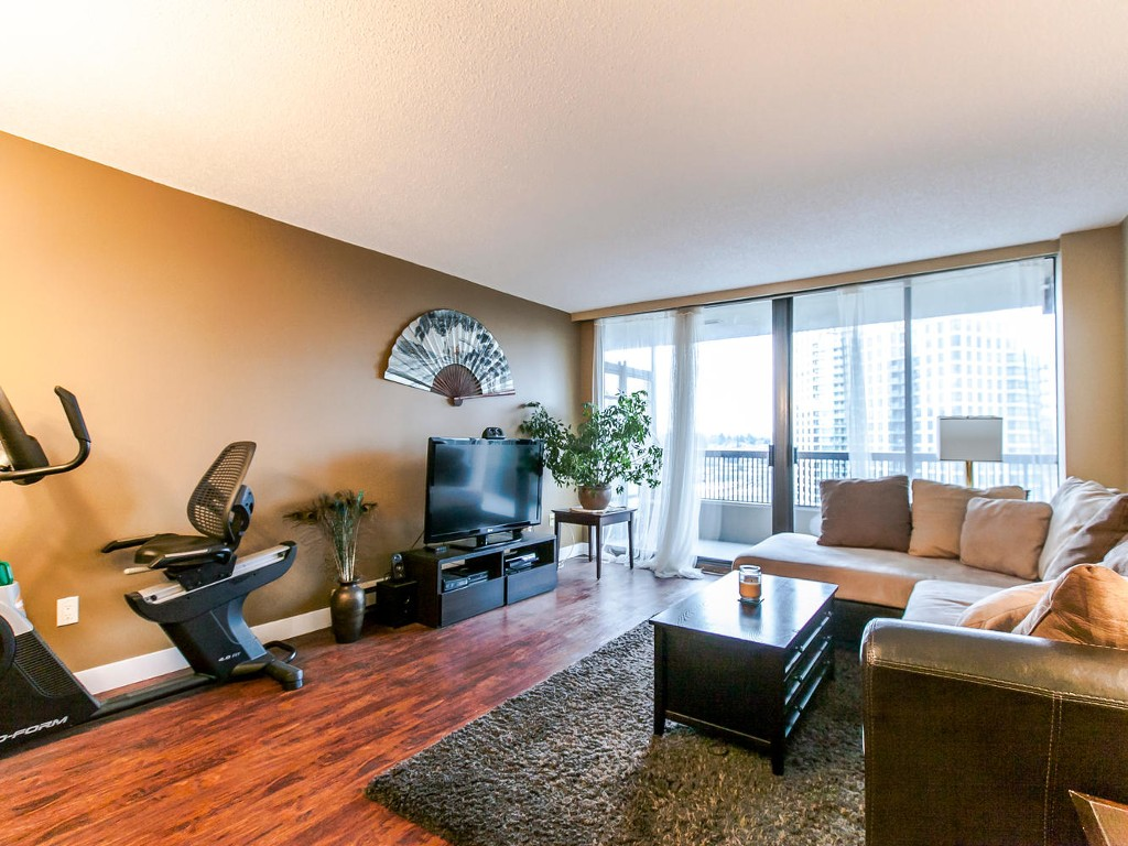 "Main Photo: 807 2041 BELLWOOD Avenue in Burnaby: Brentwood Park Condo for sale in ""ANGOLA PLACE"" (Burnaby North)  : MLS®# R2027257"