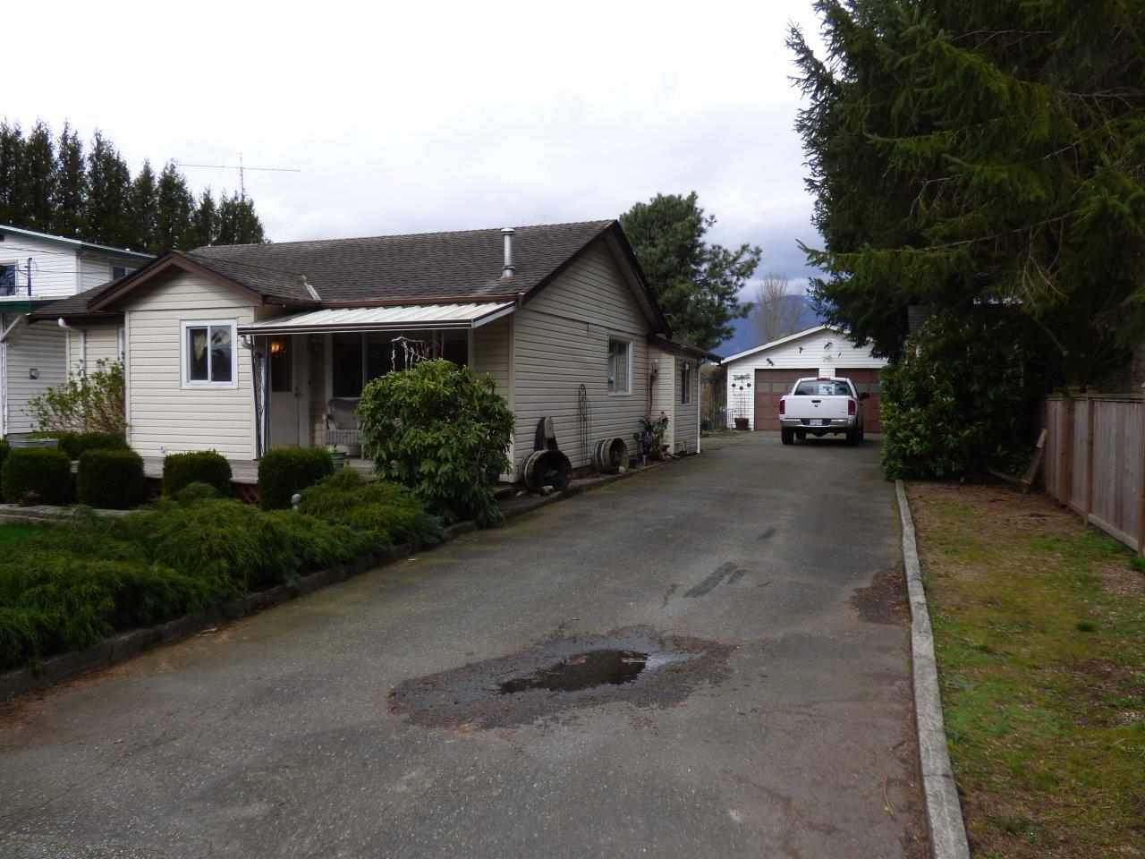 Main Photo: 42505 PETERS Road in Sardis - Greendale: Greendale Chilliwack House for sale (Sardis)  : MLS® # R2045002