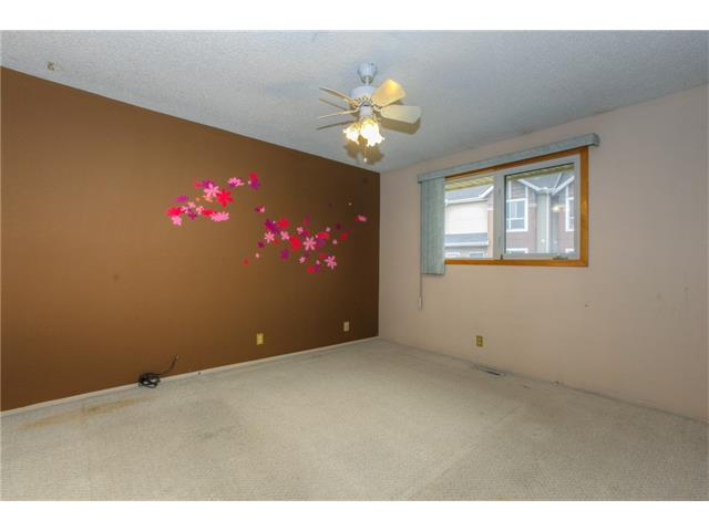 Photo 16: 27 ERIN WOODS Place SE in Calgary: Erin Woods House for sale : MLS® # C4061068