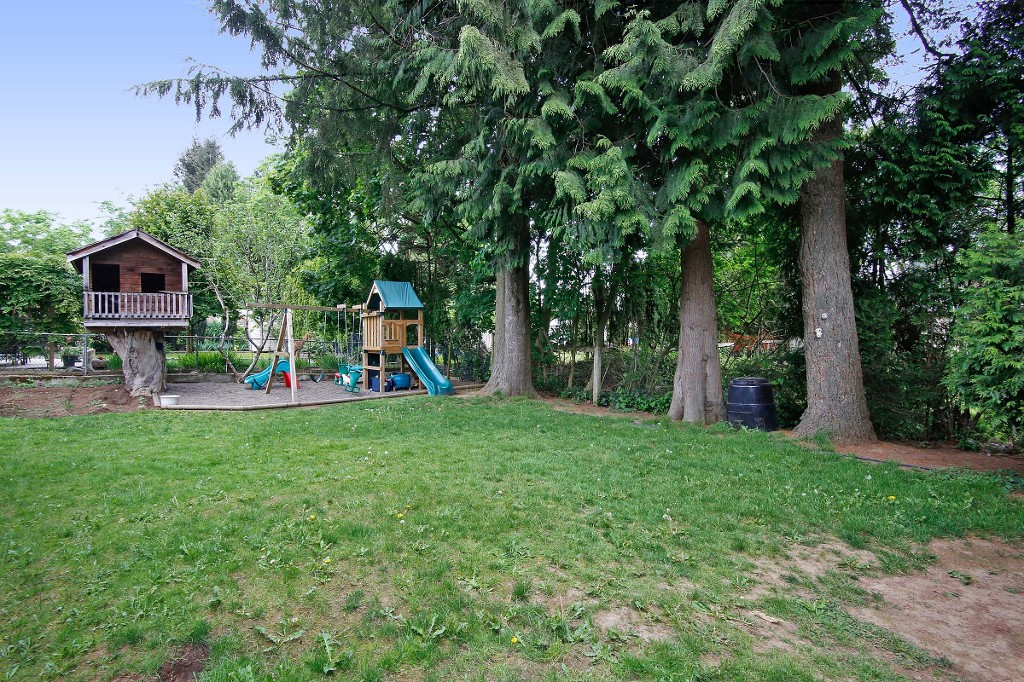 Photo 16: 33721 MAYFAIR Avenue in Abbotsford: Central Abbotsford House for sale : MLS® # R2065117