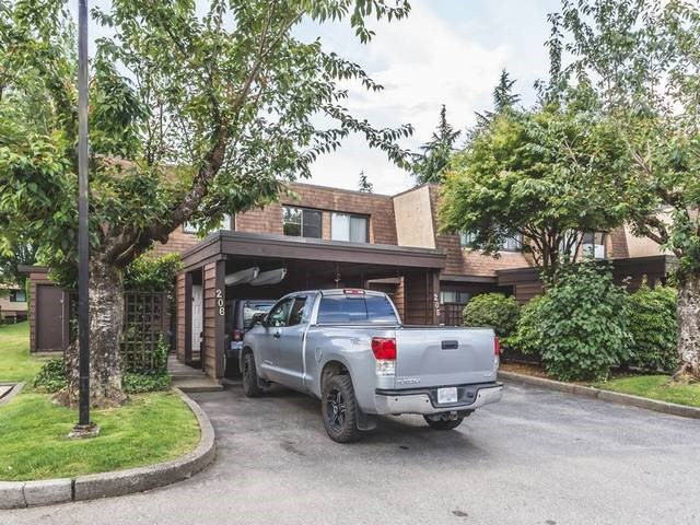 "Main Photo: 206 9468 PRINCE CHARLES Boulevard in Surrey: Cedar Hills Townhouse for sale in ""CEDAR HILLS"" (North Surrey)  : MLS® # R2081668"