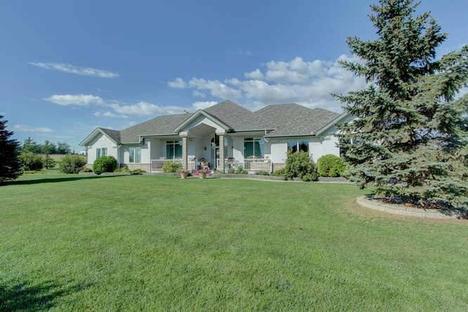 Photo 2: 51164 Rge Rd 250: Rural Leduc County House for sale : MLS(r) # E4034092