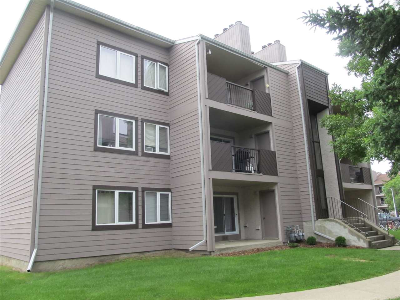 Photo 2: 103 51 AKINS Drive: St. Albert Condo for sale : MLS® # E4060963
