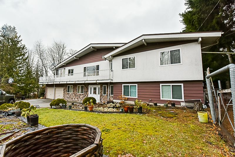 Main Photo: 19957 78B Avenue in Langley: Willoughby Heights House for sale : MLS®# R2175333