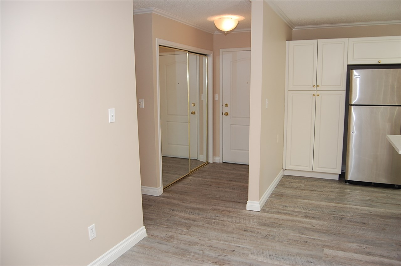 Photo 10: 101 35 SIR WINSTON CHURCHILL Avenue: St. Albert Condo for sale : MLS(r) # E4069420