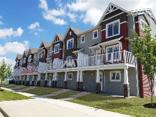 Main Photo:  in Edmonton: Zone 30 Townhouse for sale : MLS(r) # E4072845